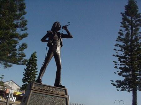 Bon Scott statue